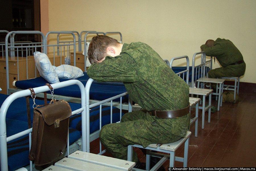 фотографии заправлять кровать в армии картинки головной убор
